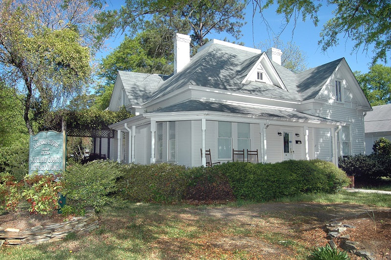 The Sanford House Home of Scotland County Literacy Council